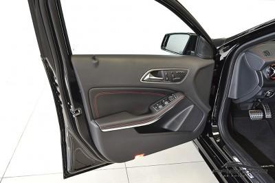 Mercedes-Benz A45 AMG - 2014 (34).JPG