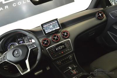Mercedes-Benz A45 AMG - 2014 (32).JPG