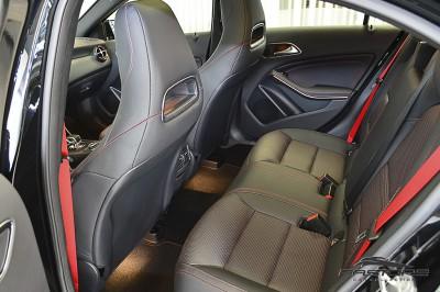 Mercedes-Benz A45 AMG - 2014 (9).JPG
