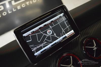 Mercedes-Benz A45 AMG - 2014 (41).JPG