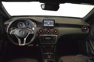 Mercedes-Benz A45 AMG - 2014 (5).JPG