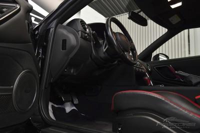 Nissan GT-R Black Edition - 2012 (28).JPG