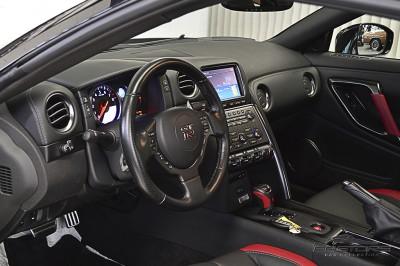 Nissan GT-R Black Edition - 2012 (4).JPG