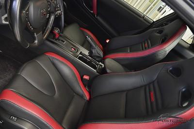 Nissan GT-R Black Edition - 2012 (33).JPG