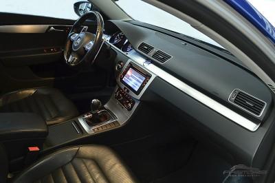 VW Passat 2.0 TSI - 2012 (51).JPG