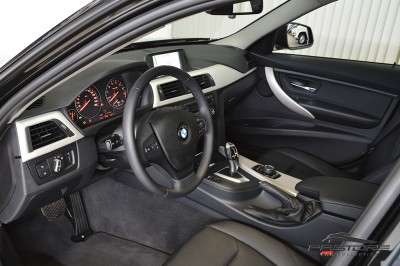 BMW 320i Active Flex - 2014 (4).JPG