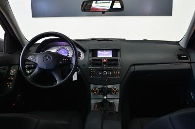 5 - Mercedes-Benz C280 (9).JPG
