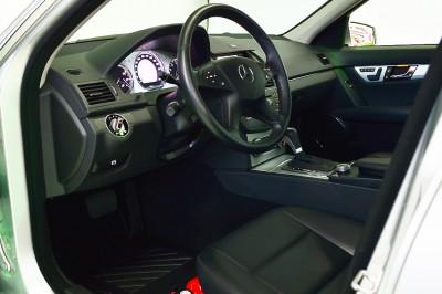 4 - Mercedes-Benz C280 (13).JPG