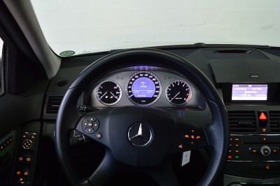 Mercedes-Benz C280 (10).JPG